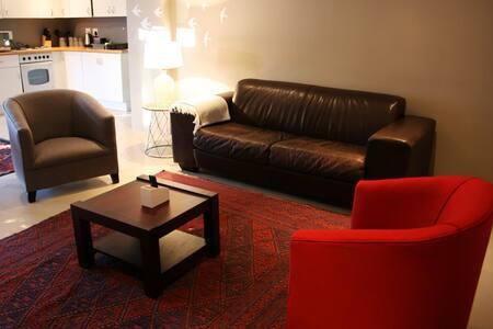 Amazing apartment in Rosebank, Johannesburg. - โจฮันเนสเบิร์ก