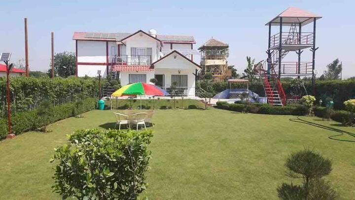 FarmHouse stay between Delhi to Agra's Tajmahal