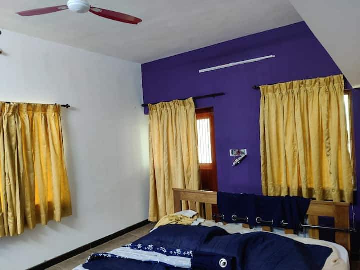 Double AC Bedroom at Ooty foot hills Mettupalayam