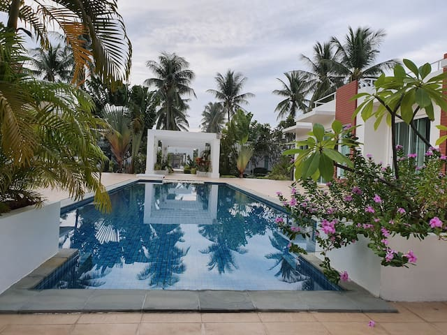Modern villa in a beautifully quiet setting