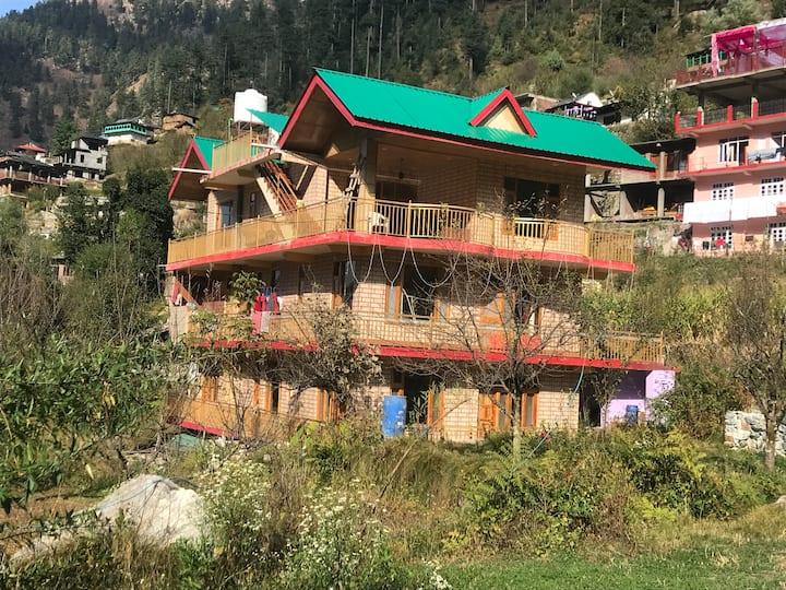 Rio Paradise Jibhi - Home away From Home