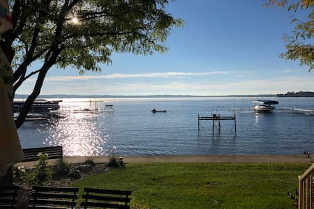 Whimsy condo on Lake Max!