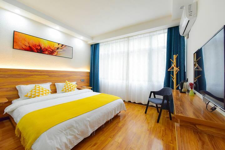 黄山风景区南门换乘中心—北欧大床房,免费接送的哦