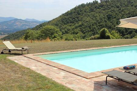 Idyllic rural home with all day sun, relaxing pool - Umbertide