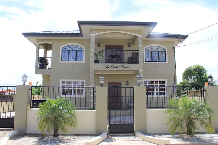 Edinburgh Villas I Chaguanas Executive & Modern