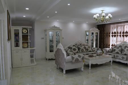 位于美丽小区的阳光充沛宽敞明亮的舒适公寓 - Taiyuan Shi