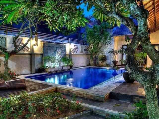 Marta Bali Villa - Kuta - Vila