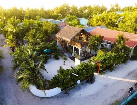 UFA ESCAPE - THE ISLAND HOME