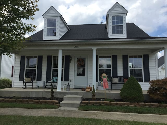 Comfy cottage style house - Grove City - Dom