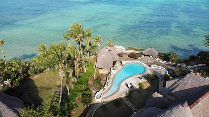 OCEAN FRONT Private Villa with own PRIVATE Pool