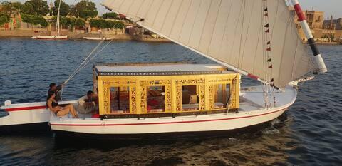 Nil soloppgang båt for privat utleie