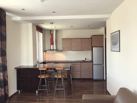 Minijos 11 lejlighed, tæt på centrum