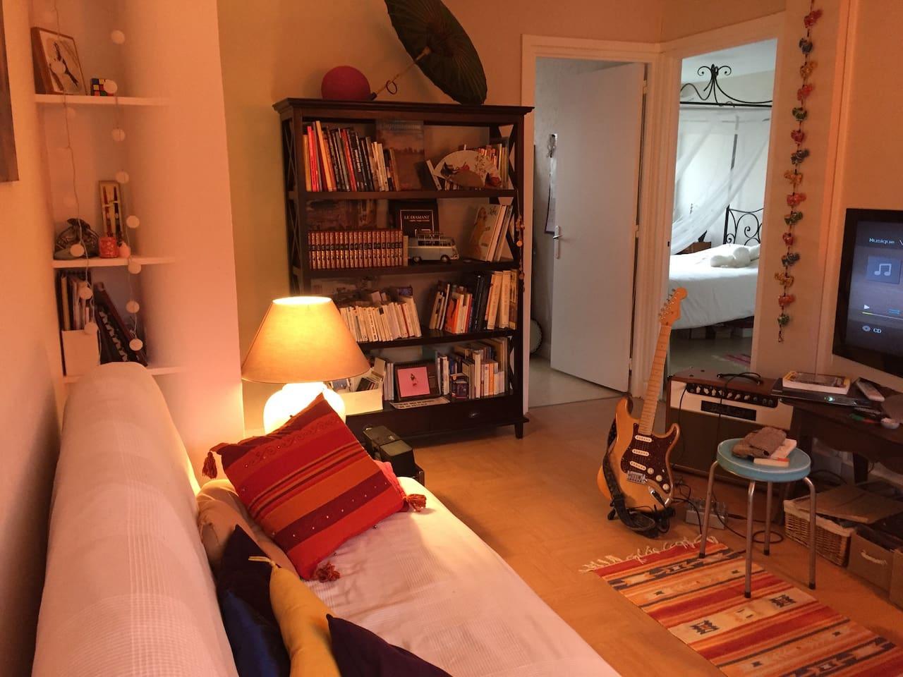 Salon avec canapé 2 places