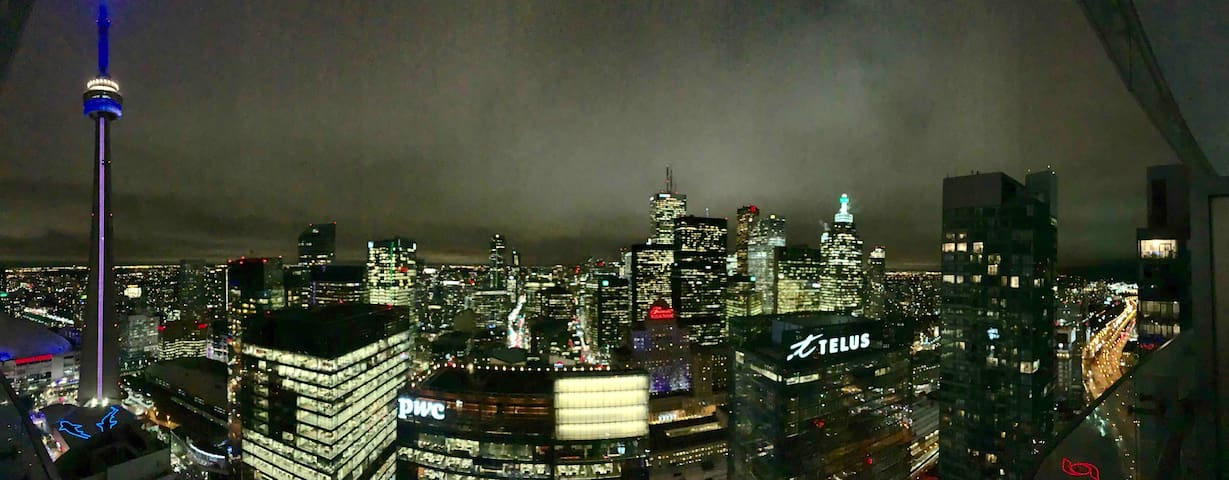 Amazing Suite with Fantastic View Next to CN Tower