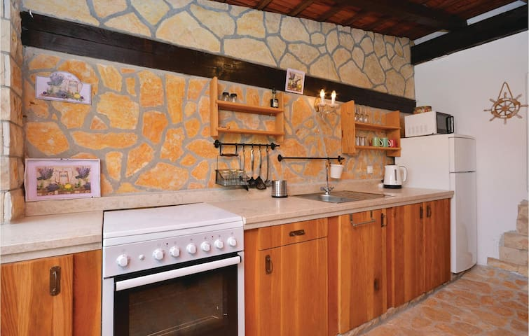 Holiday apartment with 2 bedrooms on 65m² in Ivan Dolac