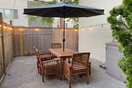 Modern 2 Bed w/ Outdoor Space in South Park Slope