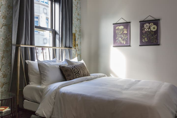 Sonder | Hayes Valley | Sunny Guest Room + Lounge
