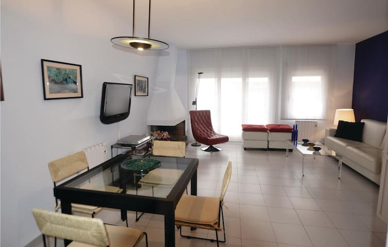 Holiday apartment with 2 bedrooms on 68 m² in Sant Antoni de Calonge