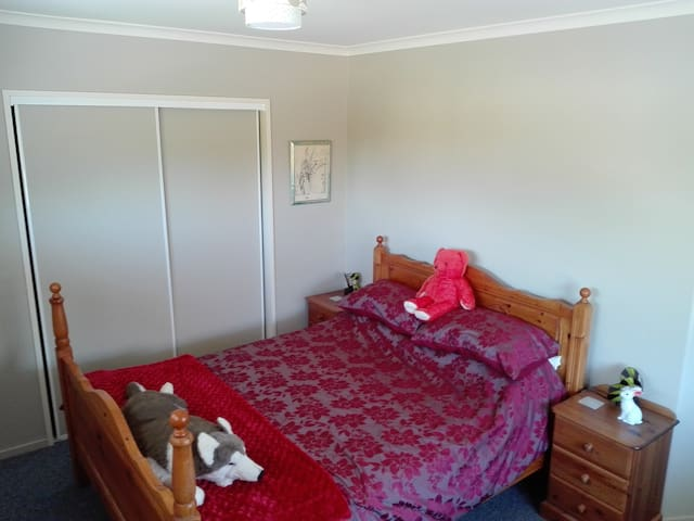 Cosy home away from home - Rangiora - Hus