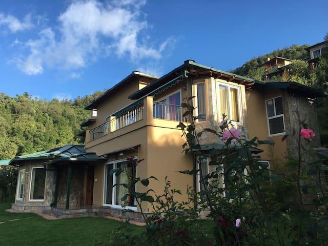 The Arudra Villa - ไนนิทัล - วิลล่า