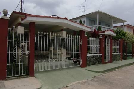 CASA EN LA PLAYA,  BEACH HOUSE - Playa Baracoa - 獨棟