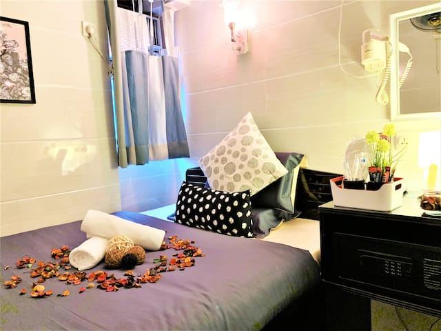 Cebu Hotel Deluxe Double Room Ensuite Bathroom #13