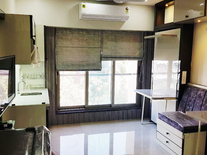 Smart Studio Apartment, Vile Parle