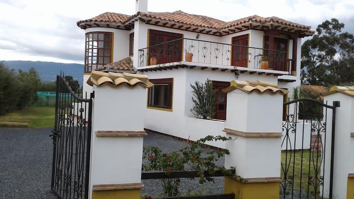 Hermosa y confortable casa en Villa de Leyva