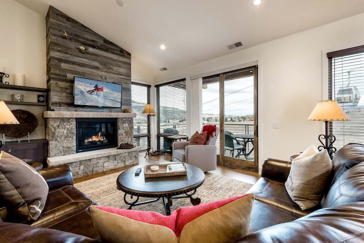 High-End Townhome - 2-Minute Walk to Gondola!