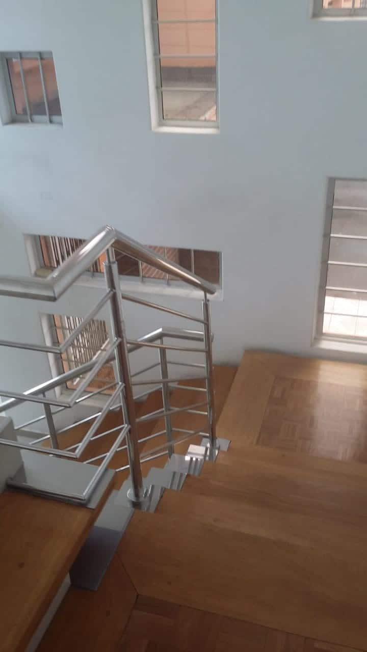 Spacious modern home to let