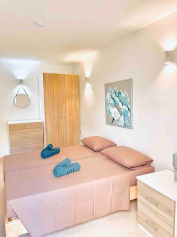 Master bedroom with garden