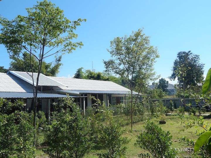 Baanjao9, Luxury retreat with beautiful gardens .