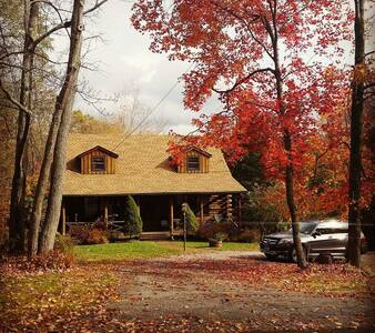 Cozy Country Log Cabin - Litchfield - Kabin