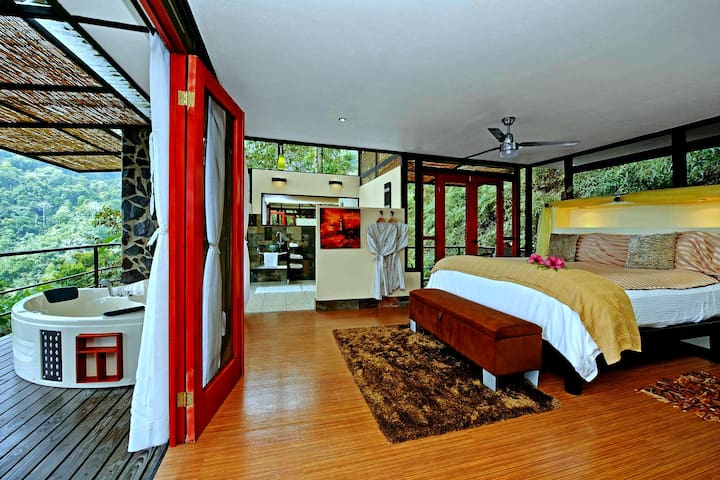 Luxury TreeHaus at Rancho Pacifico Guest Ranch - Uvita