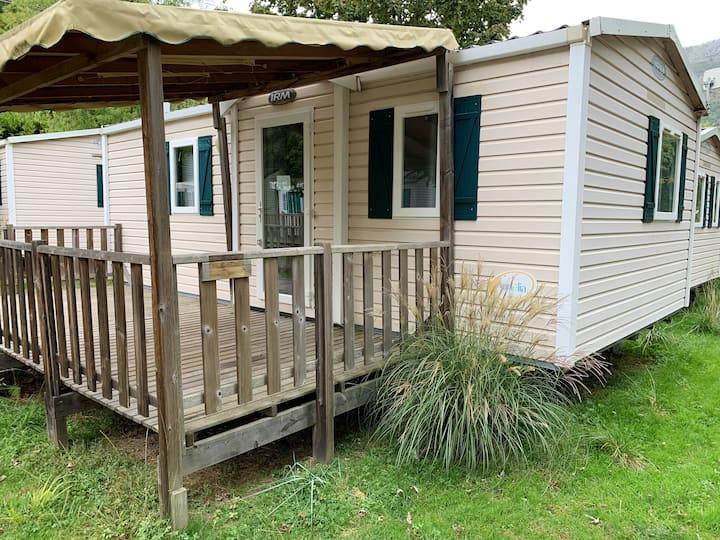 Propriété de 2 chambres à Argences-en-Aubrac, avec piscine partagée et jardin aménagé