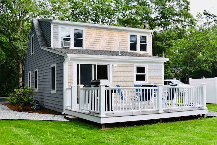 Fully renovated vacation Cape Cod Home