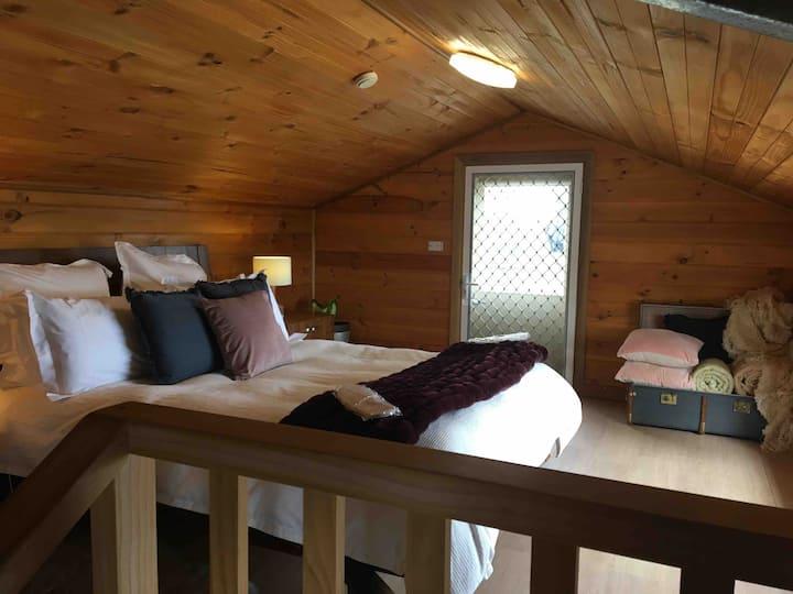 Springmead The Rustic Cabin