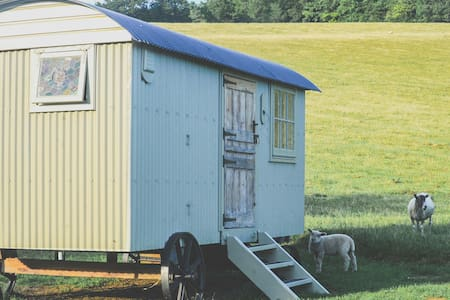 The Gallery Shepherds Hut, Tranquility! - Skur
