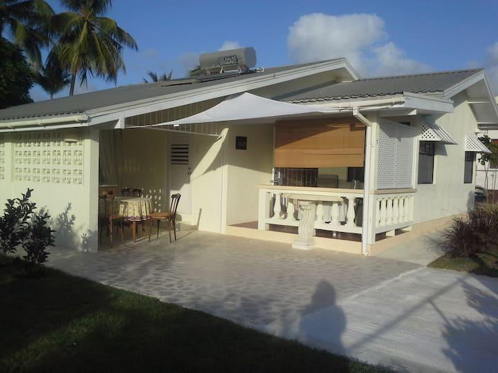 Casaneta, Beach Cottage, 3 bedroom, trop.-garden