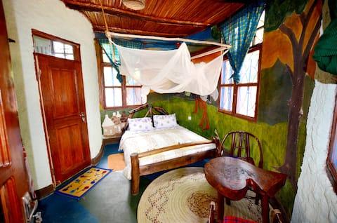 Gerald's Eco House - Simba Room