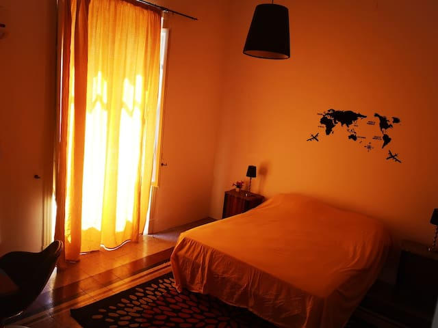 Via Roma top location, bright room, a/c & balcony