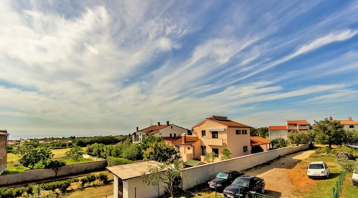 Apartment LUCIA with sea view - 700m to the beach!