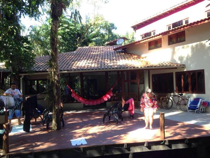 Casa em Camburi, próxima a praia!