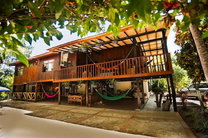 El Bosque Guest House- Big farm house - Manglar Alto - Guesthouse