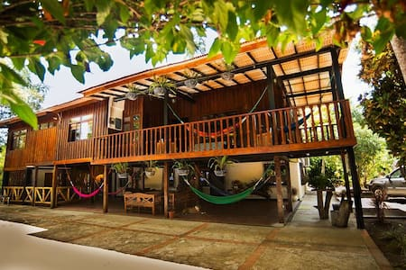 El Bosque Guest House- Big farm house - Manglar Alto - Pensione