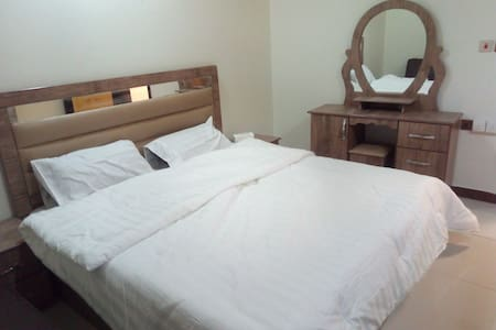 One bedroom perfect for a professional next to all