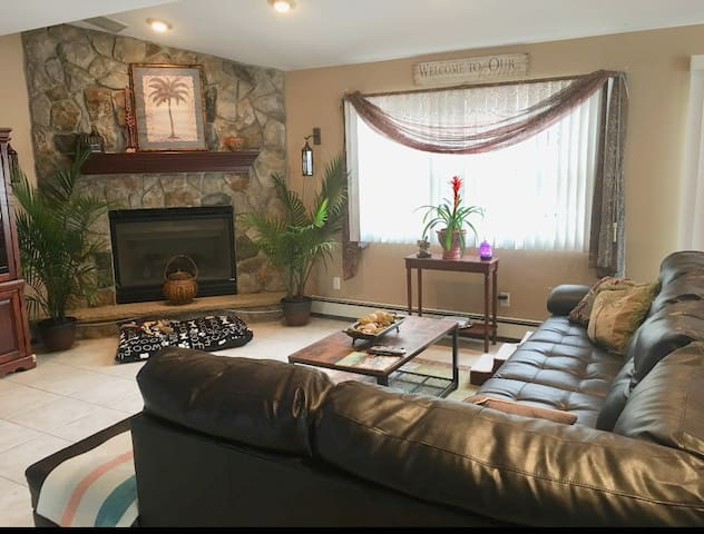 This is downstairs and the Hosts Living room. It is NOT a shared space . If my schedule allows, I enjoy inviting guests downstairs.(depends on my work schedule)