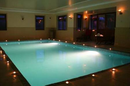 Woodfield House luxury property with indoor pool