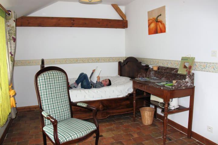 chambres et table d'hôtes à la ferme biologique - Valanjou