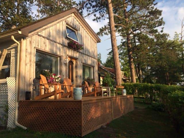 Coquette maison de campagne au Lac-Brome
